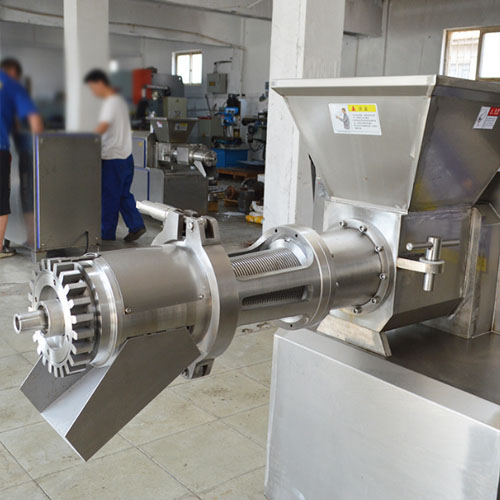 adopts stainless steel